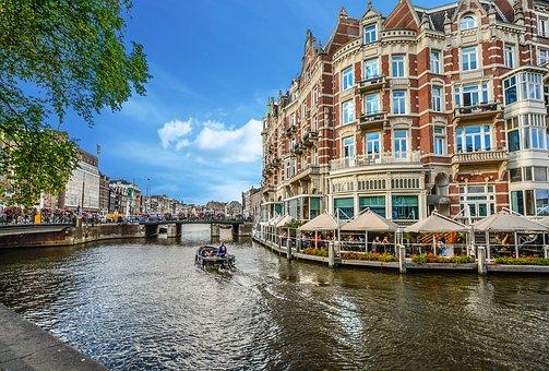 are prostitutes safe in amsterdam